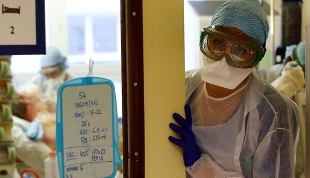 """Fransa'da """"Covid-19'lu sağlıkçılar çalışmaya devam ediyor"""" iddiası"""