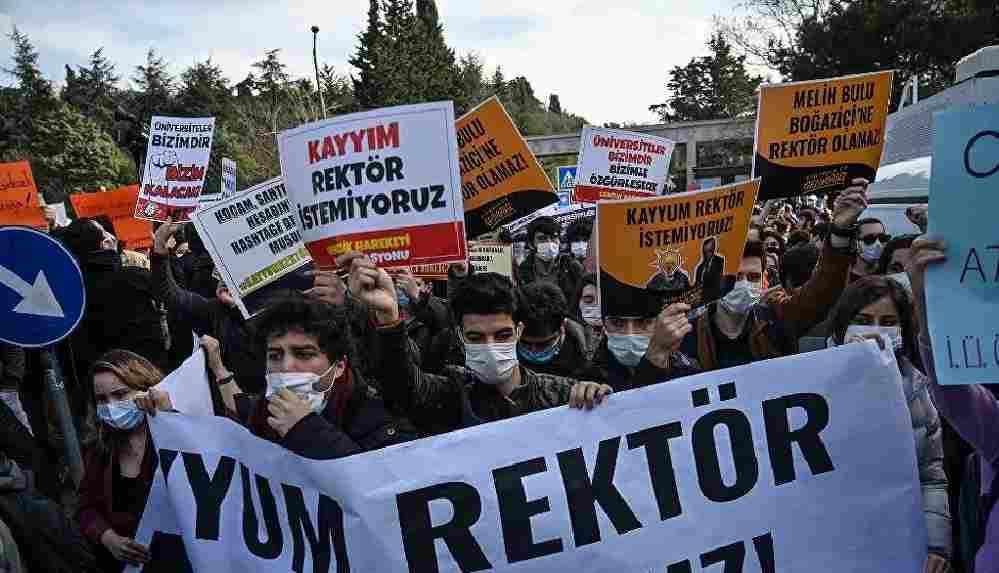 Galatasaray Üniversitesi akademisyenlerinden Boğaziçi protestolarına destek