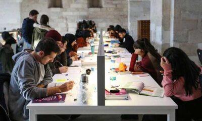 Hibrit eğitim nedir? Üniversitelerde hibrit eğitim hakkında merak edilenler