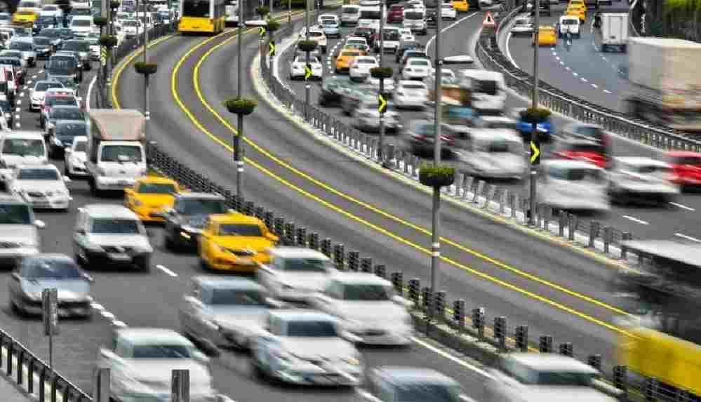 İstanbul'da artık trafik sıkışıklığı tüm güne yayılıyor