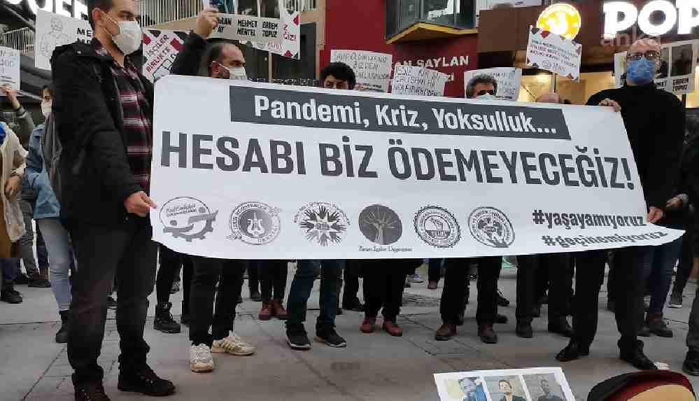 """İzmir'de kafe bar çalışanlarından eylem: """"Kongreler lebalep maşallah, restoranlar pandemi var mazallah"""""""