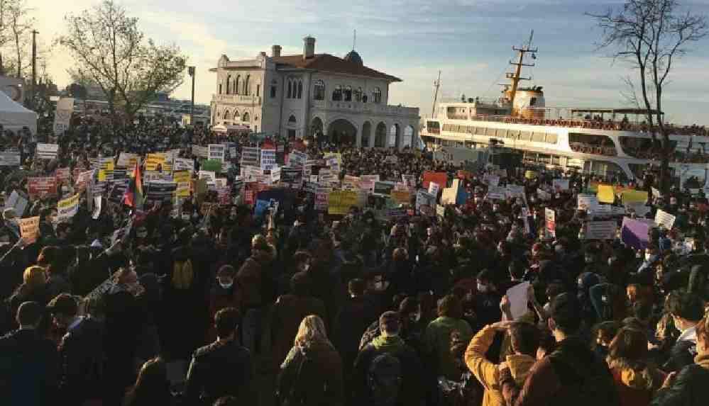 Kadıköy Kaymakamlığı: Her türlü toplantı ve gösteri yürüyüşü yasaklandı
