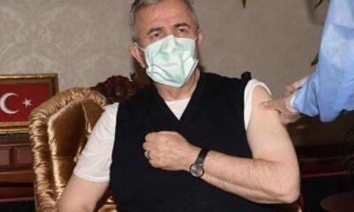 Mansur Yavaş da koronavirüs aşısı oldu