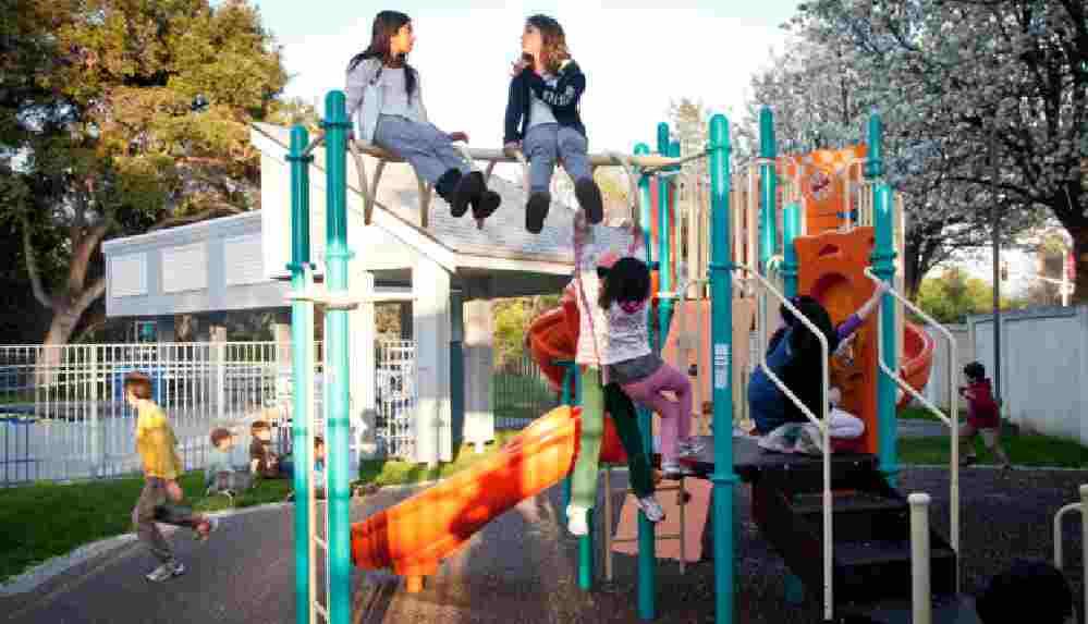 Psikologlar uyardı: Çocuklar bu yaz fazladan okula gitmek yerine oyun oynasın
