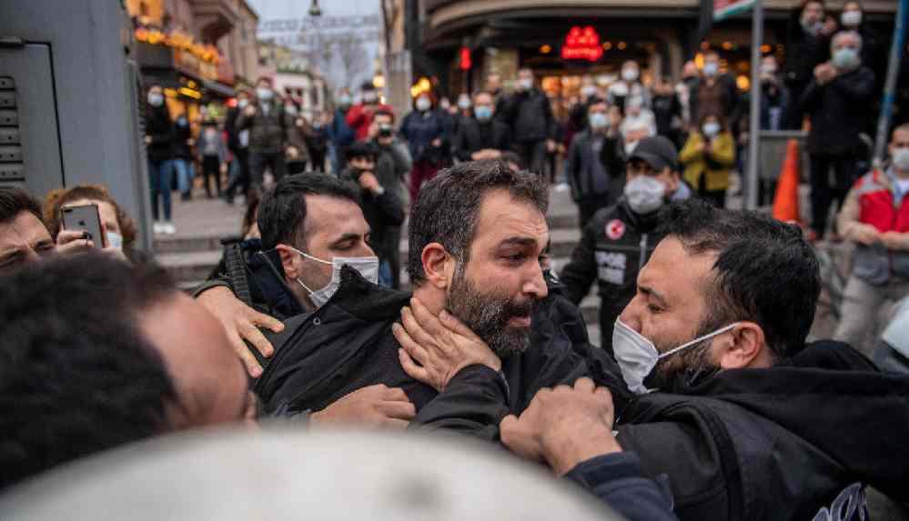 TİP Hatay Milletvekili Barış Atay: Bu saldırı ısrarlı bir tacizin sonucudur