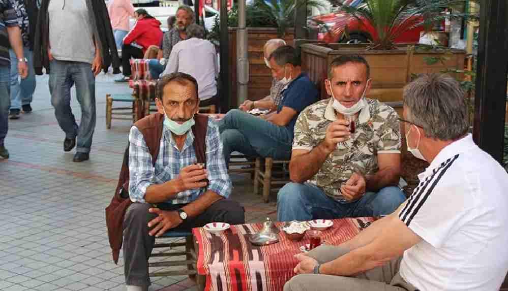 Vaka sayısı yüksek Rize'de 'çay sohbetleri' yasaklandı