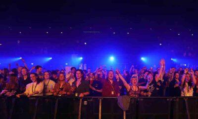 Amsterdam'ın en büyük konser salonunda 1300 kişiyle koronavirüs deneyi