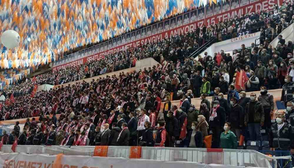 'Lebaleb' AKP kongrelerinden sonra vaka artışı olmayacağını söyleyen AKP'li Özkan'a sert tepki: Bu millet unutmaz!
