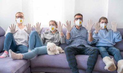 Covid-19 yakalanan her 10 kişiden biri virüsü ailesine bulaştırıyor