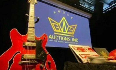 Elvis Presley'in gitarı 500 bin dolara alıcı buldu