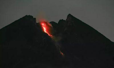 Endonezya'da yanardağ patlaması: Turuncu alarm verildi