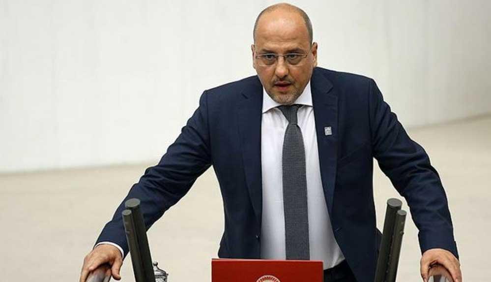 Hakkında siyaset yasağı istenen Ahmet Şık: Şeref nişanesidir