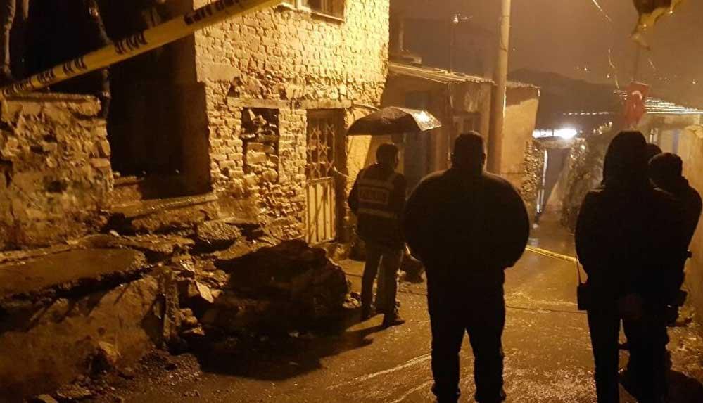 İzmir'de bir erkek karısını, kayınvalidesini ve bir akrabalarını öldürdü