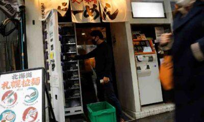 Japonya'da koronavirüs testleri otomat makinelerden satışa sunuldu