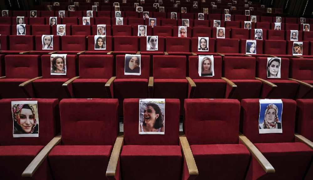 Kadın Oyunları Festivali'nde öldürülen kadınlar anıldı