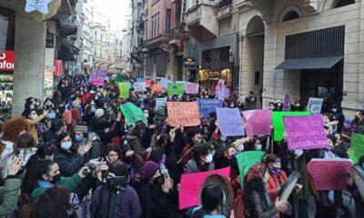 Kadınlar 8 Mart Feminist Gece Yürüyüşü için Taksim'de: Polis caddeyi ablukaya aldı