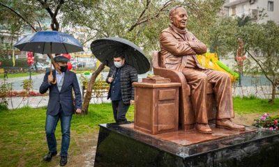 Saldırıya uğrayan Bekir Coşkun heykeli yenilenecek