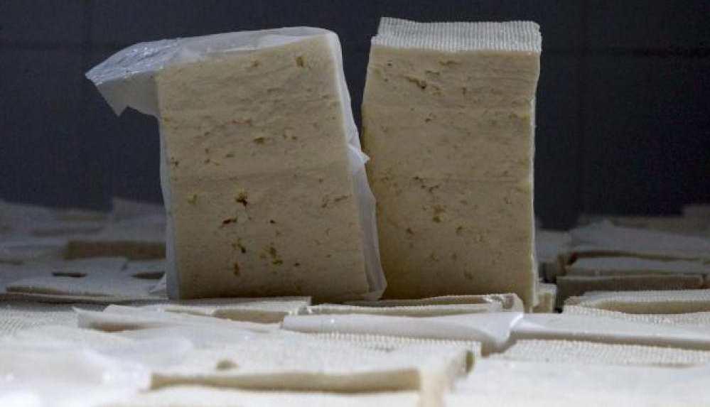 Türkiye, Azerbaycan'dan sıfır gümrük vergisiyle peynir, çay, şeker ithal edecek