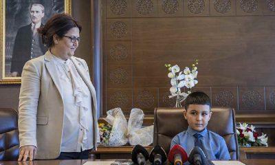 Aile ve Sosyal Hizmetler Bakanı Derya Yanık'ın küçük çocuk için sözleri sosyal medyada tepki çekti