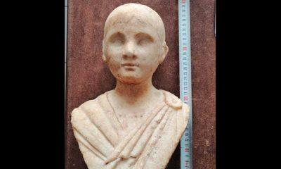 """Alçıdan yaptıkları heykeli """"Zeus'un oğlu"""" diye jandarmaya satmaya çalışırken yakalandılar"""