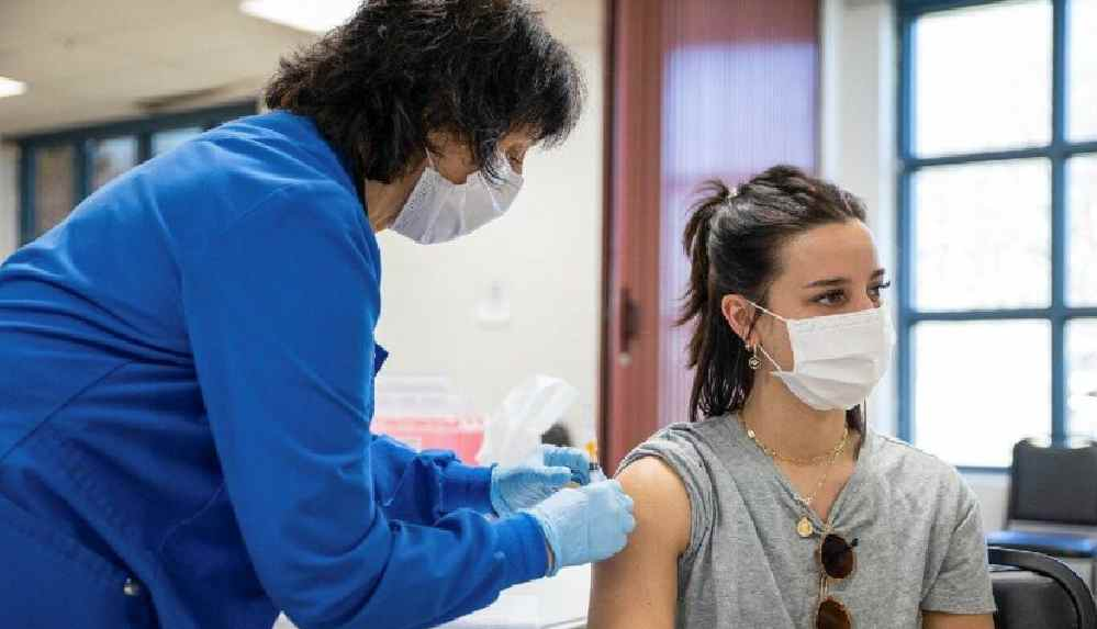 Avrupa'da AstraZeneca aşı krizi: Aşıları karıştırmayı planlıyorlar