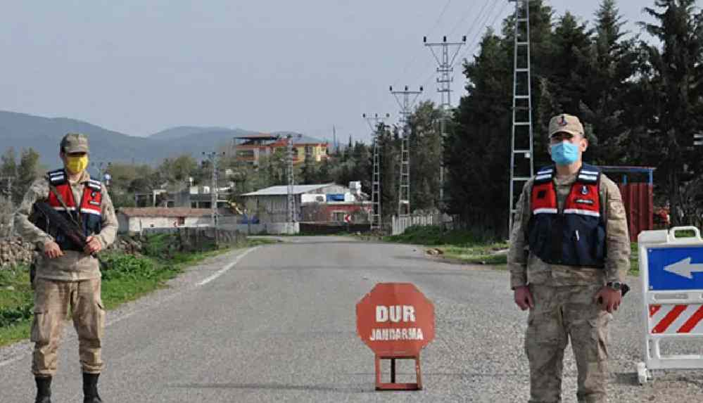 Covid-19'dan vefat eden kişi için taziye düzenlenen mahalle karantinaya alındı