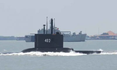 Endonezya'daki kayıp denizaltıya ait parçalar bulundu