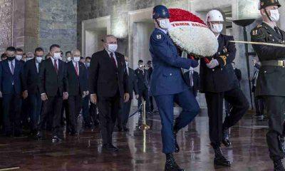 Cumhurbaşkanı Erdoğan ve MHP lideri Bahçeli Anıtkabir'deki törene katılmadı
