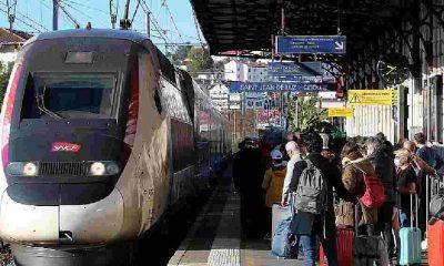 Fransa'da trenle 2,5 saat mesafedeki yerlere uçakla yolculuk yasaklanıyor