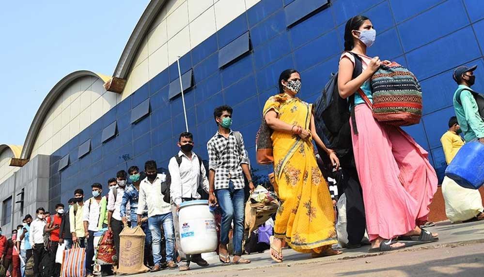 Hindistan'da günlük vaka sayılarındaki tırmanış sürüyor: Son 24 saatte 332 bin 518 vaka