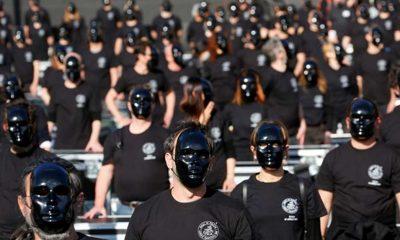 İtalya'da eğlence sektörü çalışanları kısıtlamayı protesto etti