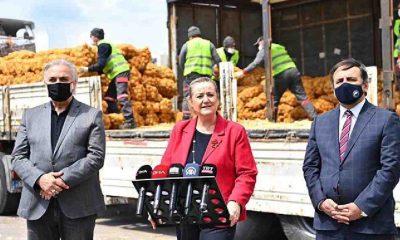 İstanbul Vali Yardımcısı patates ve soğanları il sınırında törenle karşıladı