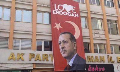Karaman'da CHP'nin şikayeti üzerine 'Love Erdoğan' afişi indirildi