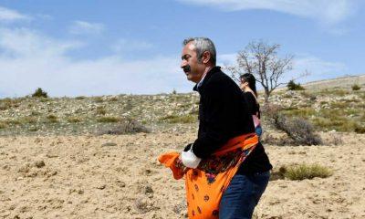 Komünist başkan Maçoğlu, köylüler ile birlikte nohut ekimi yaptı