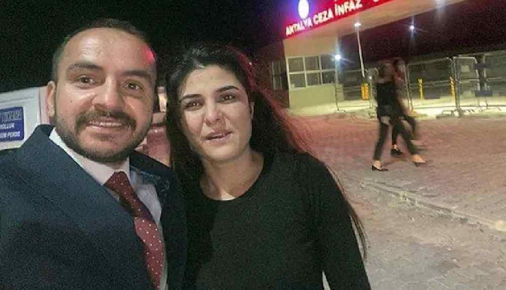 Melek İpek davası: Duruşma salonunda mübaşir dâhil herkes sevinçten ağladı