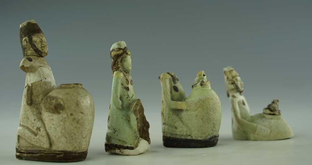 Mısır'dan Anadolu'ya uzanan 2 bin 700 yıllık koku kapları İzmir Arkeoloji Müzesinde