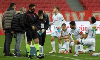 Samsunspor-Bursaspor maçında iftar arası