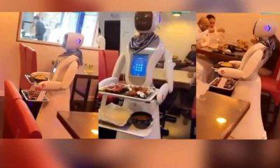 """Suudi Arabistan'da """"Robot Restoranı"""" açıldı"""
