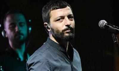 Ünlü şarkıcı Mehmet Erdem hosteslere saldırdı!