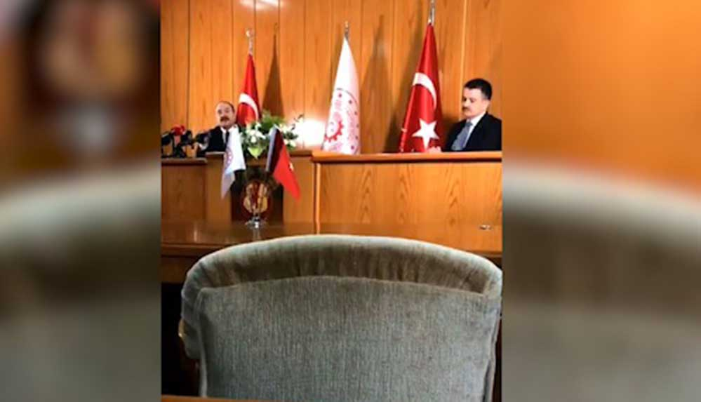 AA muhabiri bakanlara Süleyman Soylu'yu sordu: Salon buz kesti!