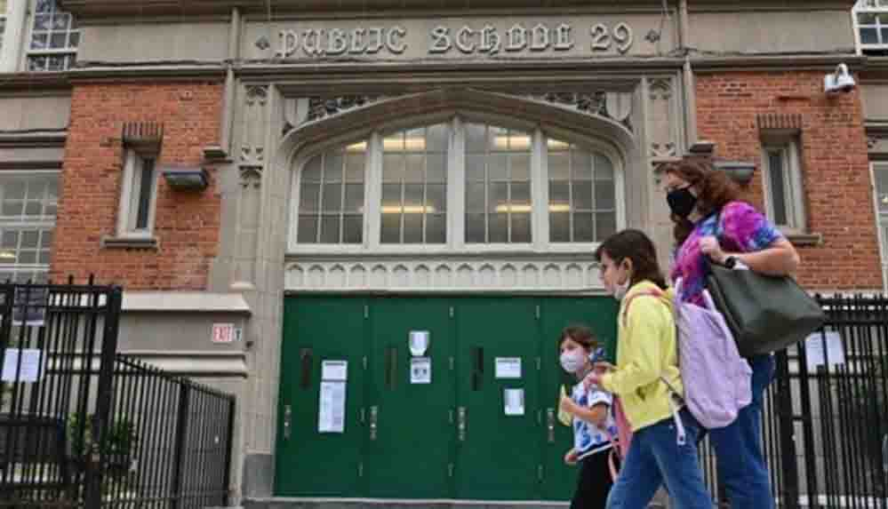 ABD'de 1 milyon öğrenci okula dönüyor