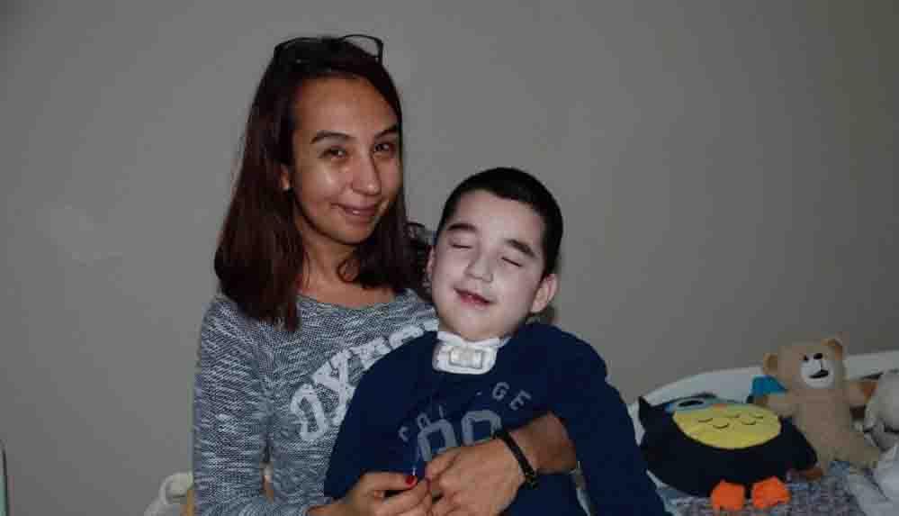 Ameliyatında yanlış operasyonla beyin felci geçiren Ege Avcı'nın ailesine uzlaşı teklifi yapıldı