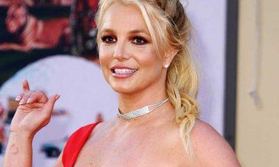 Britney Spears'ın paylaştığı üstsüz görüntüler hayranlarını endişelendirdi