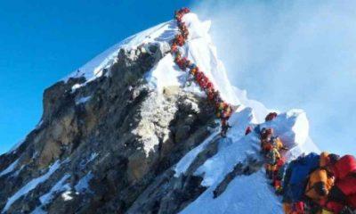Covid-19, Everest Dağı'nda da hızla yayılmaya başladı