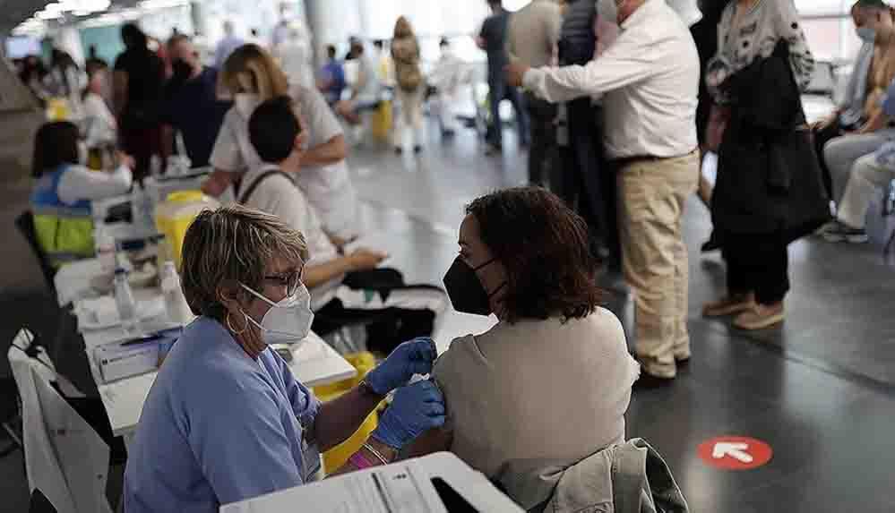 Dünya genelinde 1 milyar 670 milyon dozdan fazla Covid-19 aşısı yapıldı