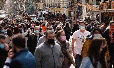İspanya'da Kovid-19'dan günlük can kaybı son 9 ayın en düşük seviyesine geriledi