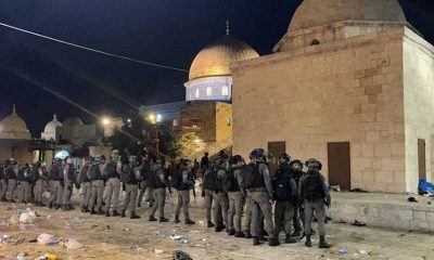İsrail polisinin Mescid-i Aksa'da namaz kılan cemaate saldırısında 53 Filistinli yaralandı