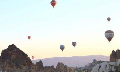 Kapadokya'da balonlar gökyüzünü yeniden renklendirdi