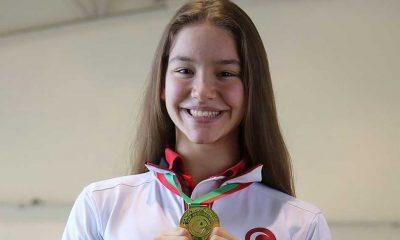 Milli cimnastikçi Ayşe Begüm Onbaşı dünya şampiyonu oldu