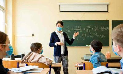 """Öğretmenler hala aşı bekliyor: """"Hasta olmaktan korkuyorum!"""""""